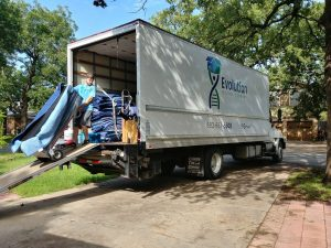 Evolution Moving FW moving truck