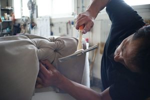 Full-service movers TX can easily disassembly your furniture.
