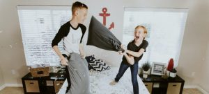 children pillow-fighting