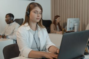 woman at work, call center