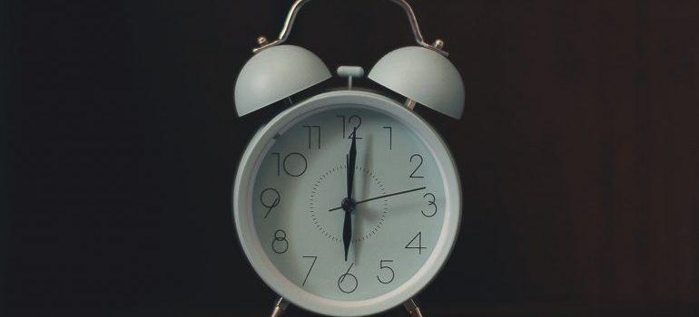 Clock showing 6 AM